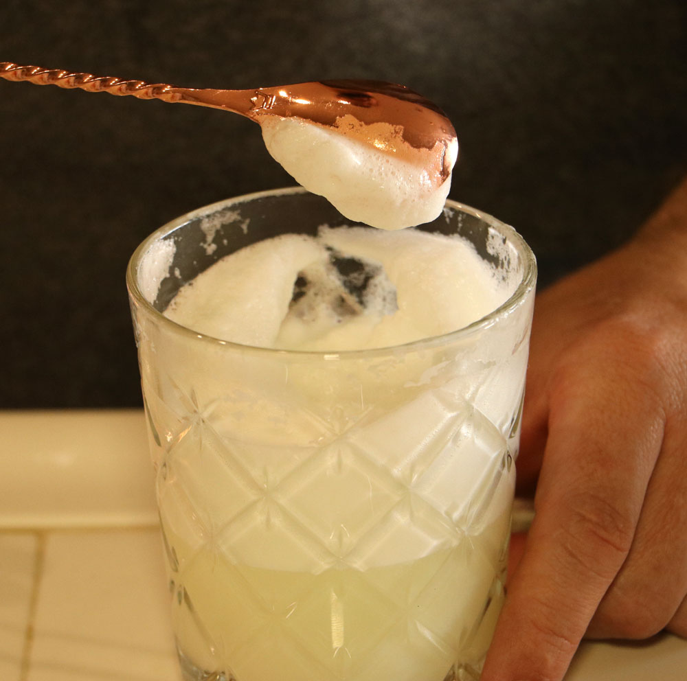 the-perfect-egg-white-cocktail-foam