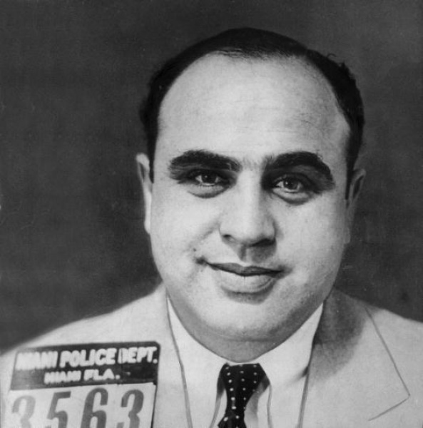 Al Capone Mug Show